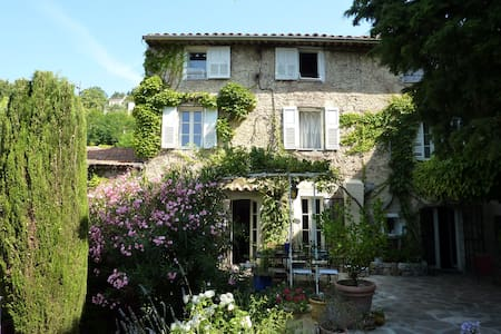 200 year old provencal cottage 8per - Grasse - Ház