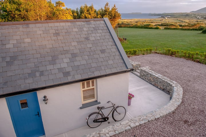 Ballinskelligs cottage - Sea views, close to beach