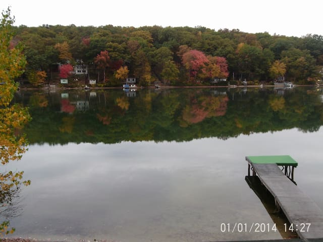 Lake House in North Eastern CT - Killingly - Talo