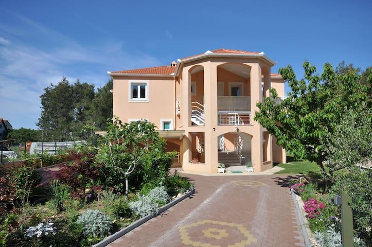 Luxury Apartment near Zadar and sea - Bibinje - Appartement