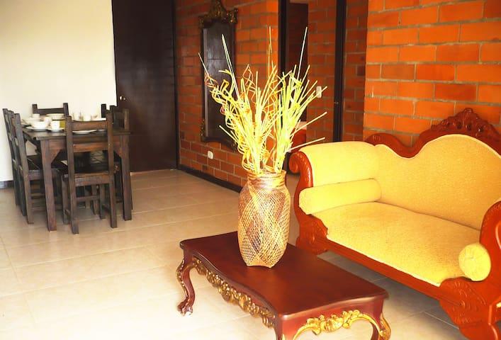 Jardines de Santa María Apartamento - Cartago - Apartamento