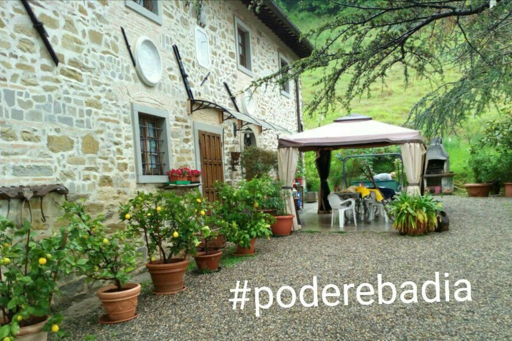 Ala di villa con piscina colline firenze mugello ville in affitto a borgo san lorenzo toscana - Piscina borgo san lorenzo ...