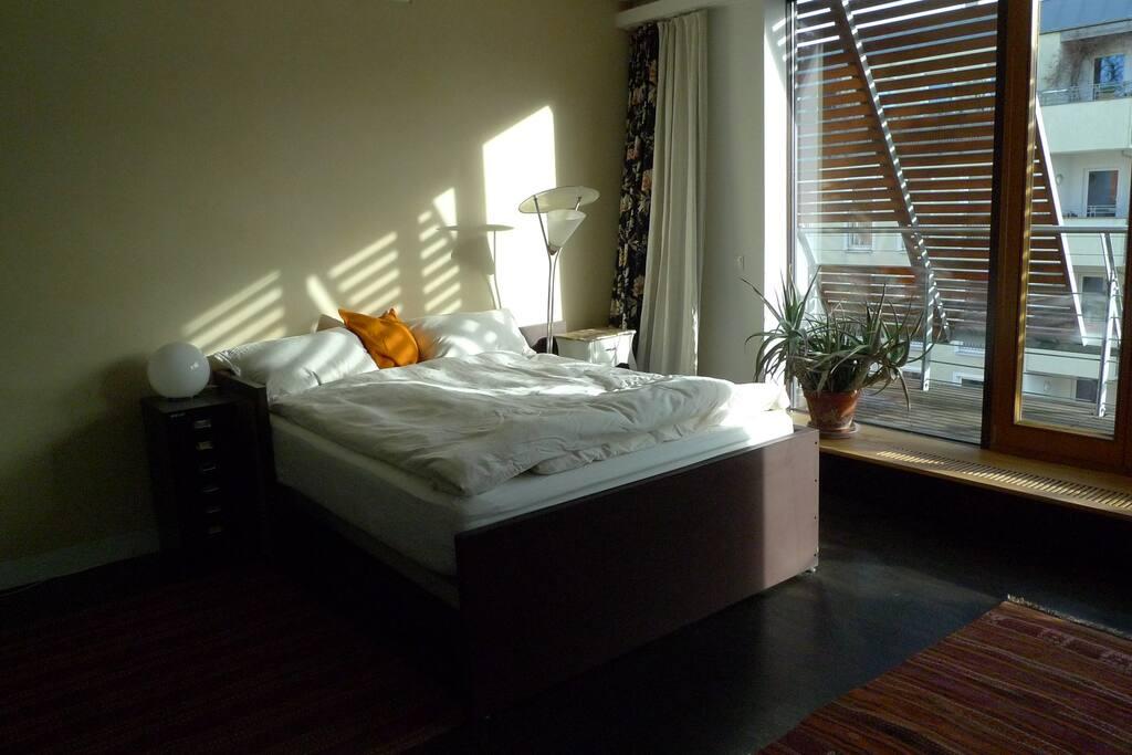Schlafzimmer, Morgensonne am 06.01.2018