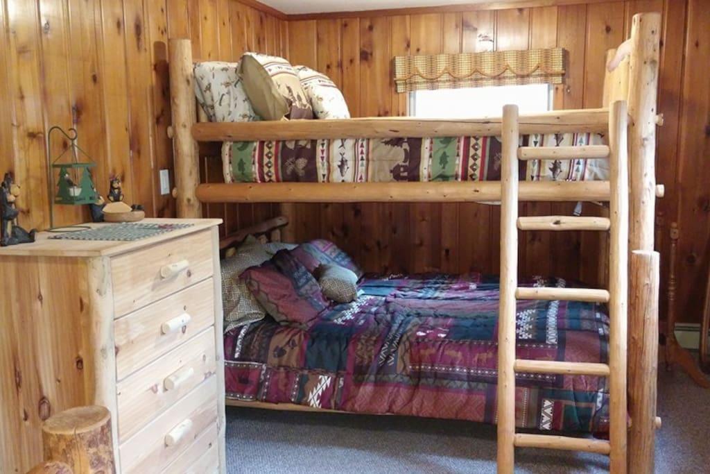 Queen/full bunk bed