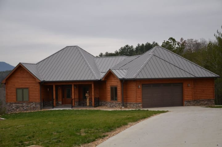 Diamond Bear - 4 Bedrooms, 3.5 Baths, Sleeps 8