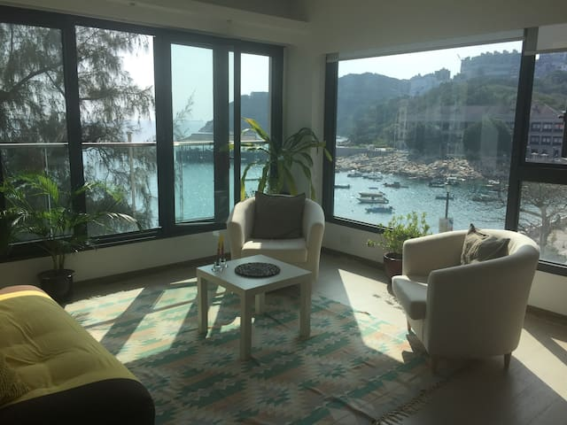 Sunny Waterfront Hong Kong Flat - Hong Kong - Lejlighed