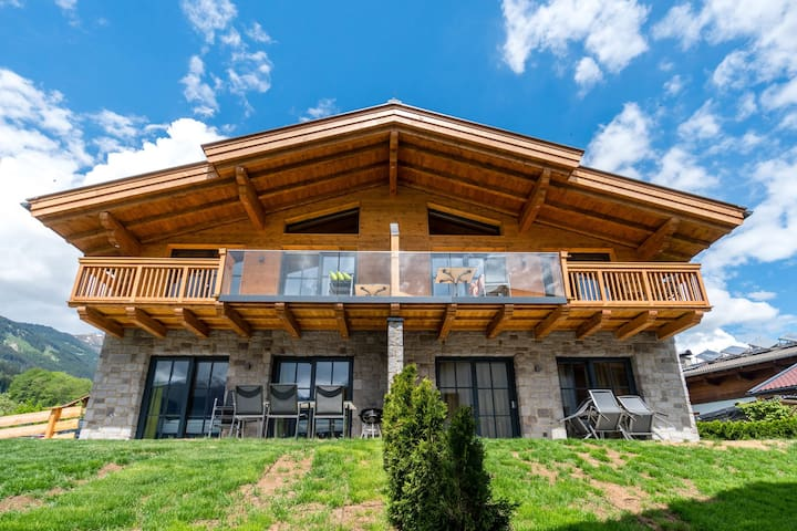 Luxurious Holiday Home in Piesendorf with Private Sauna