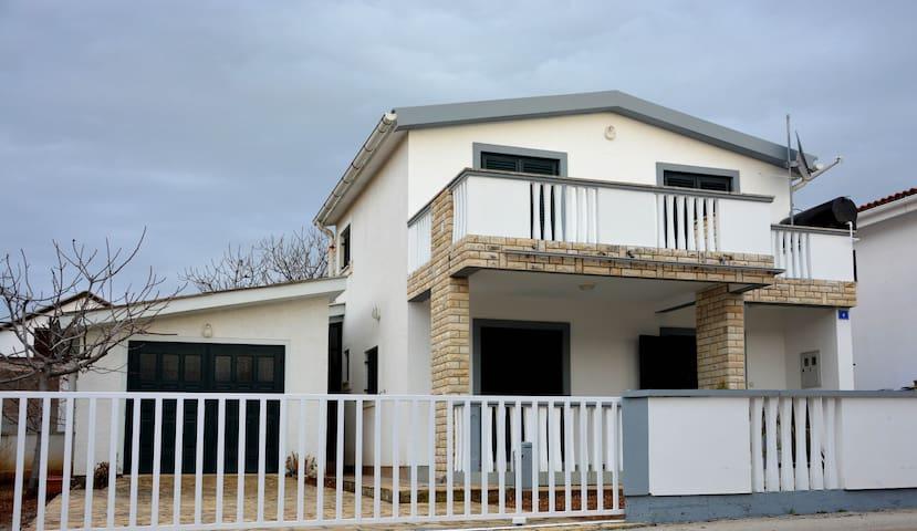 Villa Vir - Vir - Casa