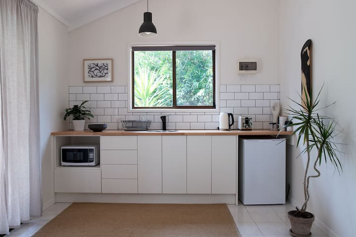 Stylish Self Contained Cabin - Byron Bay
