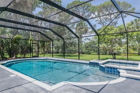 Golf Front 5 Bedroom Pool Home Downtown Melbourne