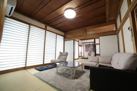 Japanese-style house ,close to shop&pottery studio