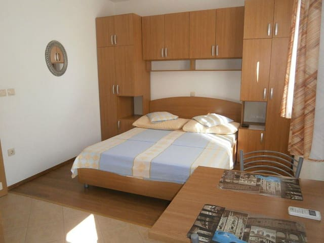 Studio flat with air-conditioning Igrane, Makarska (AS-13535-a)