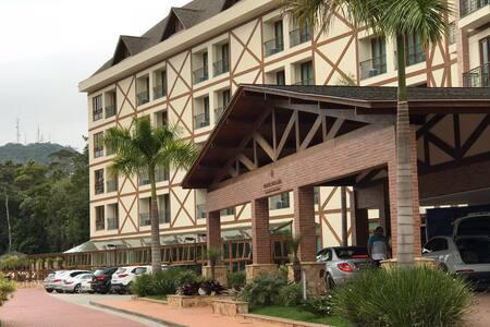 Bristol Vista Azul Hotel Quarto e Sala Pedra Azul