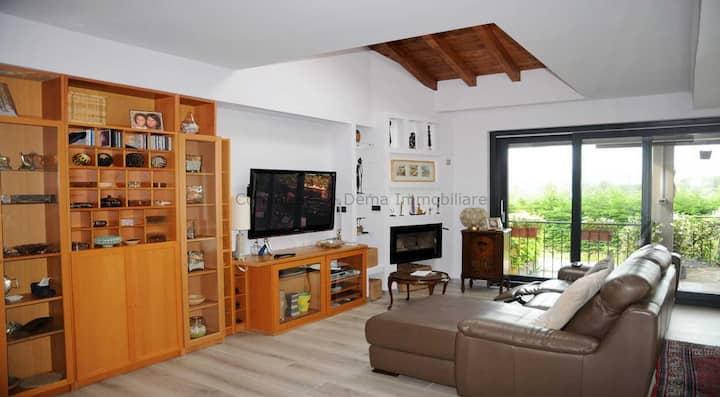 4 Km dal Villa suite in collina, Deda maison