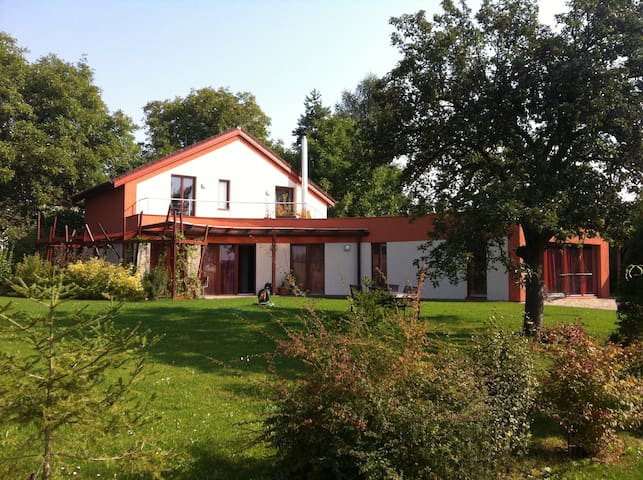 house 25 km from the Prague center - Kyšice