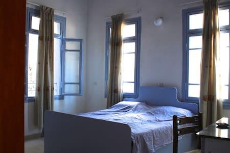 Nzar Khoury for Hosting (Room 1) - Lakás