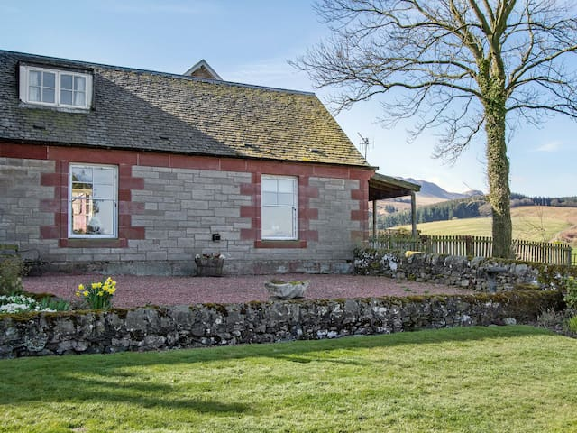 Shepherds Cottage (W8708)