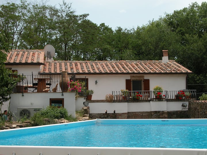 Beautifully restored Villa inc Pool & large garden