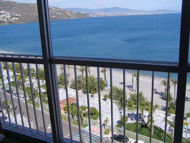 VISTAS AL MAR . 1ª LINEA DE PLAYA - Almuñécar - Apartment