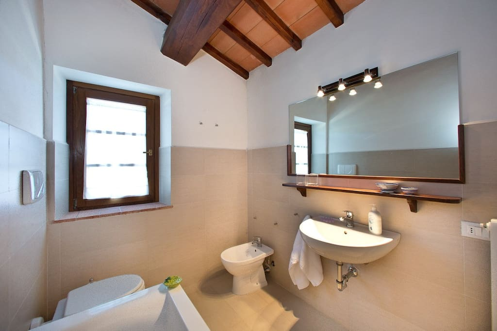 Ensuite of the main bedroom