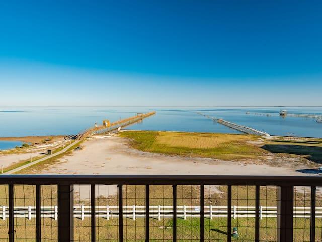 Water's Edge @ Laguna Reef #413 - Private balcony!