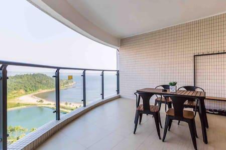 【Hill&Sea Island 山·海屿】海陵岛敏捷黄金海岸/高层海景大房/下楼沙滩/超大观海阳台