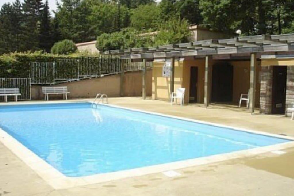 Grand studio proche d 39 oberna flats for rent in b rsch for Piscine obernai