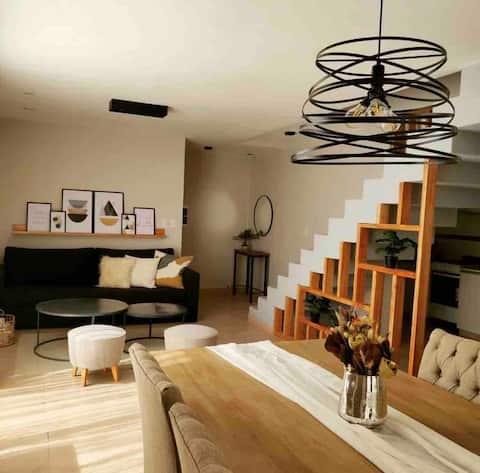 Hermoso Duplex de diseño al pie del cerro!