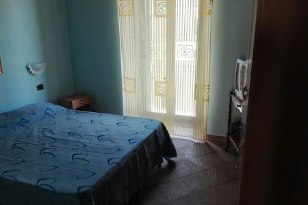 Piccolo appartamento in centro vicino al mare - Porto Empedocle - Apartment