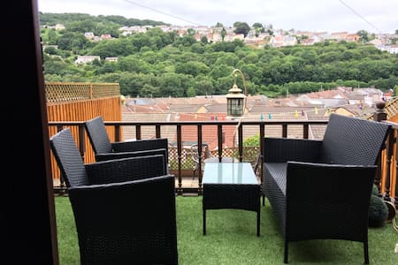 House with a view - perfect to explore south Wales