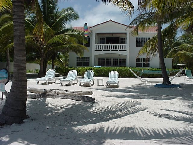 Villa Casa Buena Vista, beach front