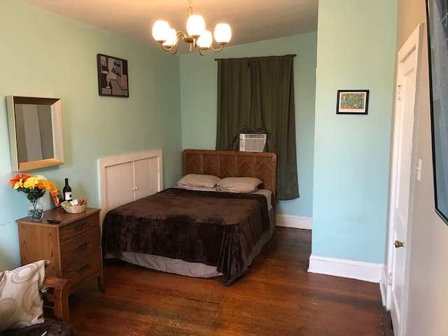 Private Room near everything! - New Orleans - Apartment