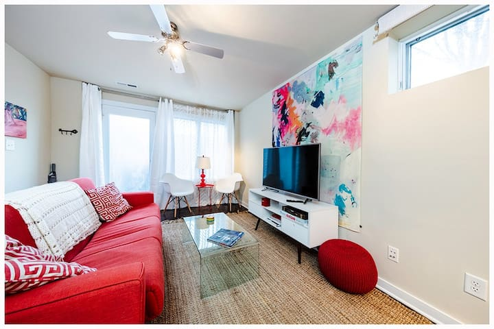 Modern Belmont home - steps from Downtown Mall!