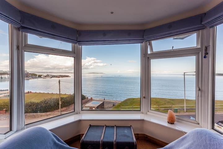 Beautiful Sea-view room overlooking Ballyholme Bay - Бангор - Гестхаус