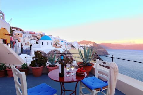 Pano Meria Studio One in Oia