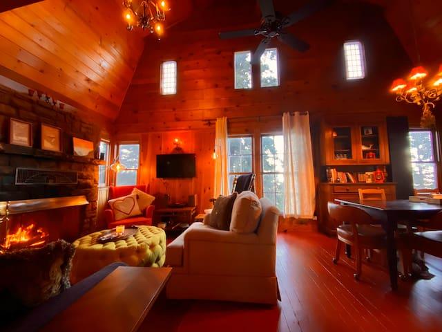 Historic (1927) Cozy Beautiful Quiet Family Cabin