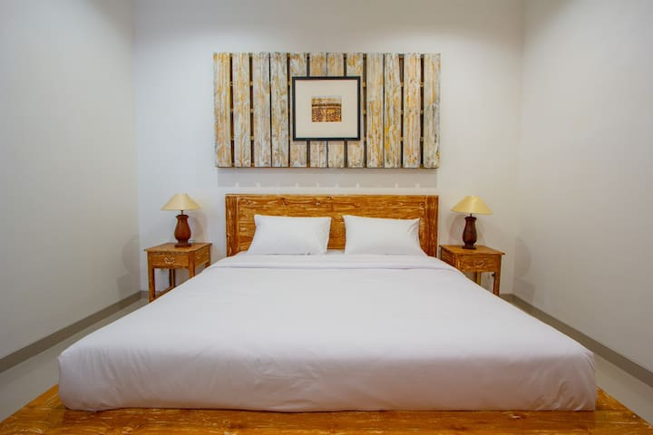 Bali Komang Guest House Sanur - Deluxe double
