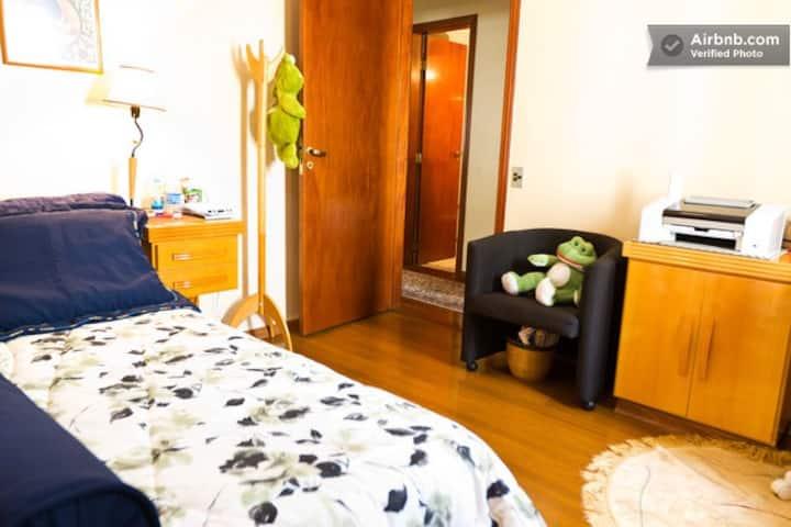 Quarto e banheiro no Jd.Paulista
