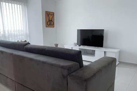 Luanda Claro's Residence