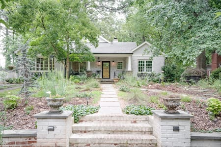 Beautifully renovated Decatur home near everything