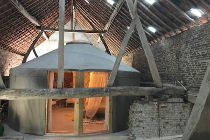 Le Freinage - Slapen in een luxe yurt!