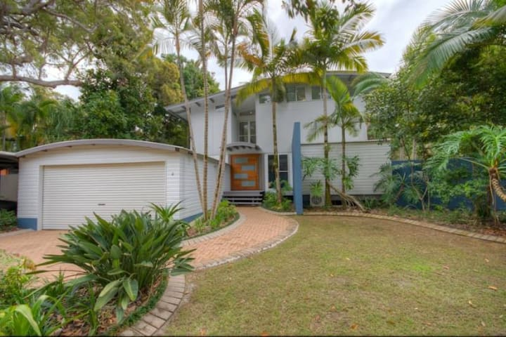 2 Satinwood Drive - Rainbow Shores