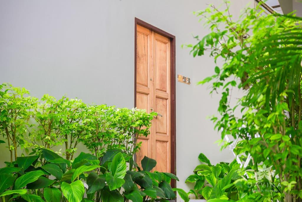 Door entrance to Twin Loft Retreat apartment