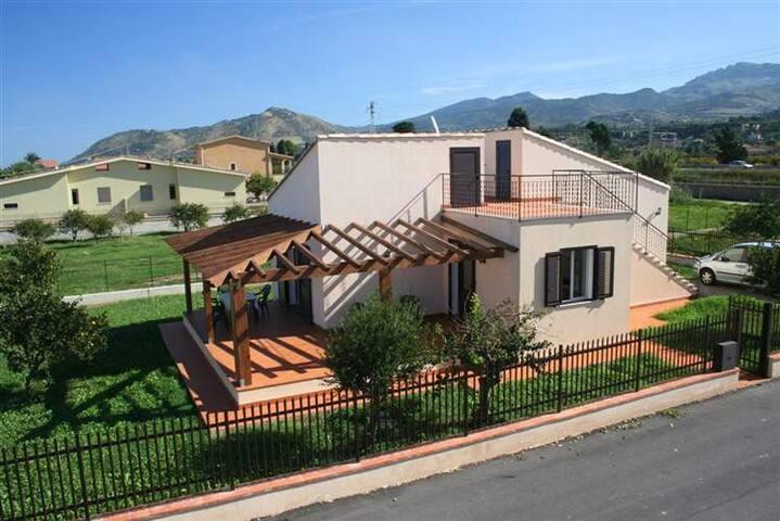 Casa Vacanze Campofelice - Piana Calzata