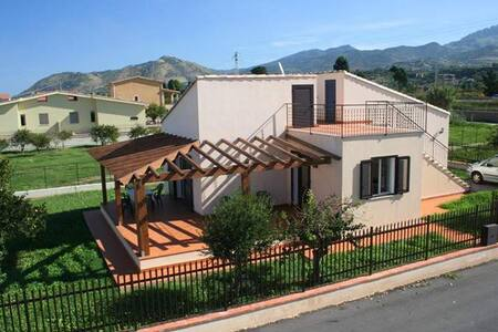 Casa Vacanze Campofelice - Piana Calzata - Villa