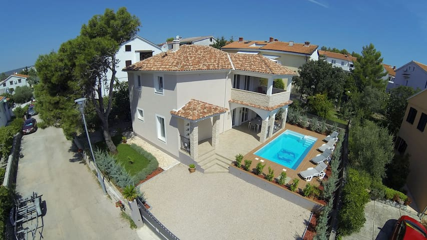Villa KRK: house with pool/sea view - Krk - Casa