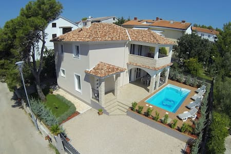 Villa KRK: house with pool/sea view - Krk