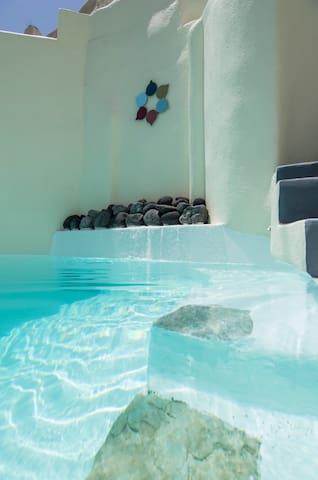 Timedrops Santorini Venetian Luxury Villa - Emporio - Villa