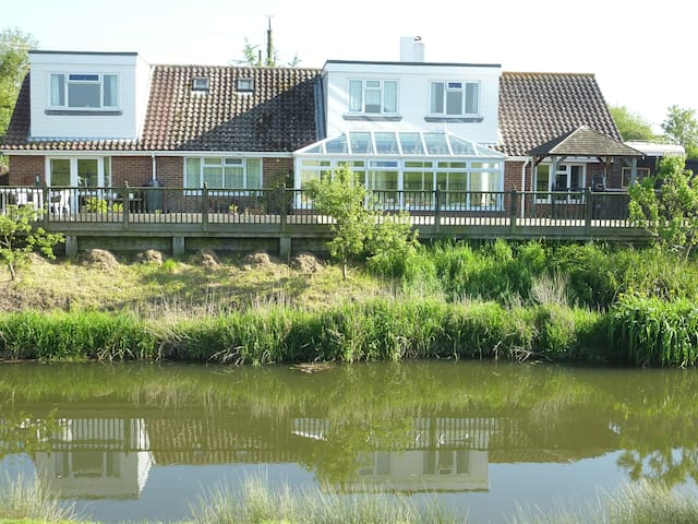 Winchelsea Beach River Front Holiday Annex - East Sussex - Huis