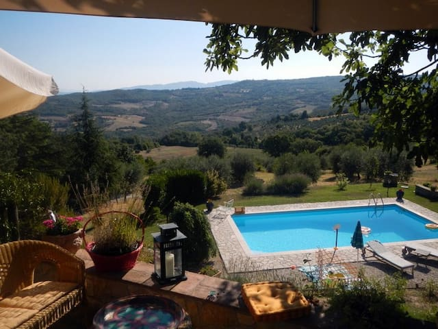 Stunning Views in Rural Umbria - Acqualoreto - Apartamento
